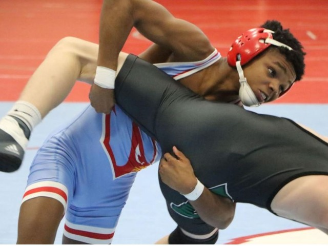 Collinsville tops Bishop Kelley to earn ninth consecutive dual state berth