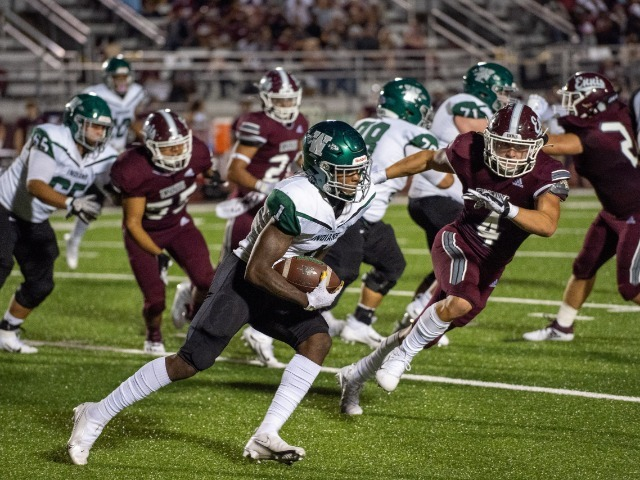 No. 1 Ennis overpowers Waxahachie in 99th annual Battle of 287