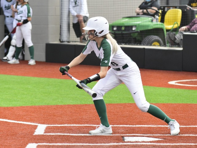 Waxahachie softball closes in on 6A postseason after 16-run outburst