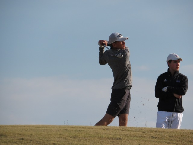 Willett Competes at Regional Golf Championships