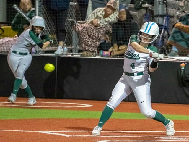 Lady Indians outslug Waco High on road