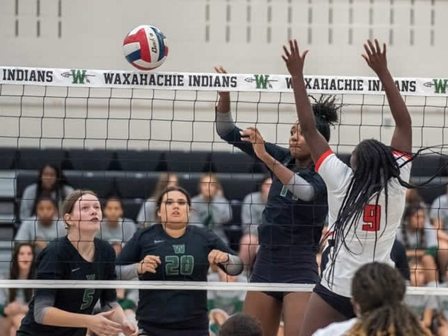 Lady Indians sweep Cedar Hill at home