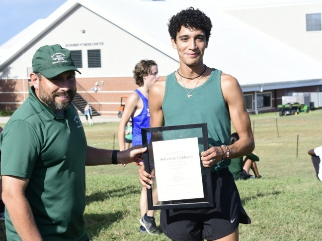 Waxahachie XC inducts 3 into Hall of Honor, hosts annual Woodhouse Invitational