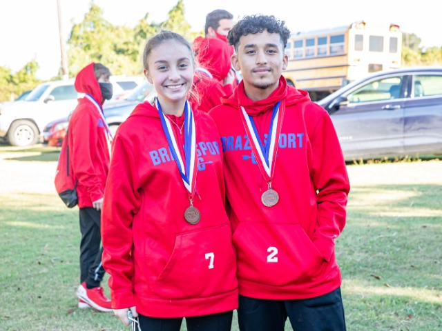 Exporters' Runners Qualify for Regional Meet