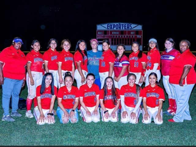 Brazosport Girls advance to Bi-District Softball Playoffs in Tidehaven