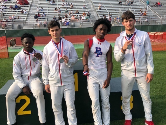 Brazosport Boys 4x100M Relay advance to State