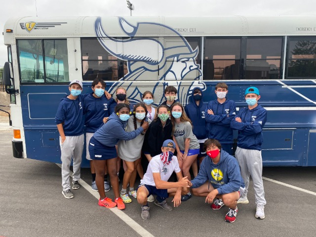 BHS Tennis competes in District Tournament