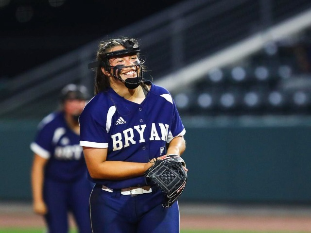 Bryan softball team opens Class 6A playoffs with win over  Waxahachie