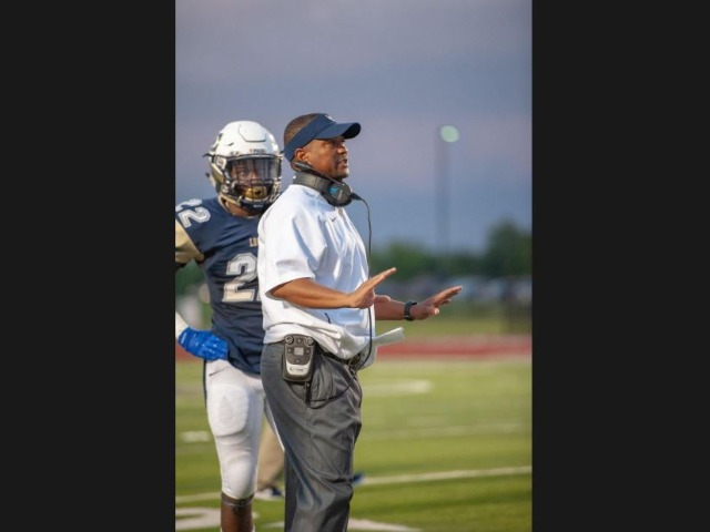 Little Elm's Brown on upcoming season, rise of Mateer and more