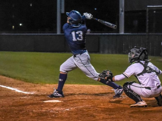 Lobos rally in seventh, edge The Colony