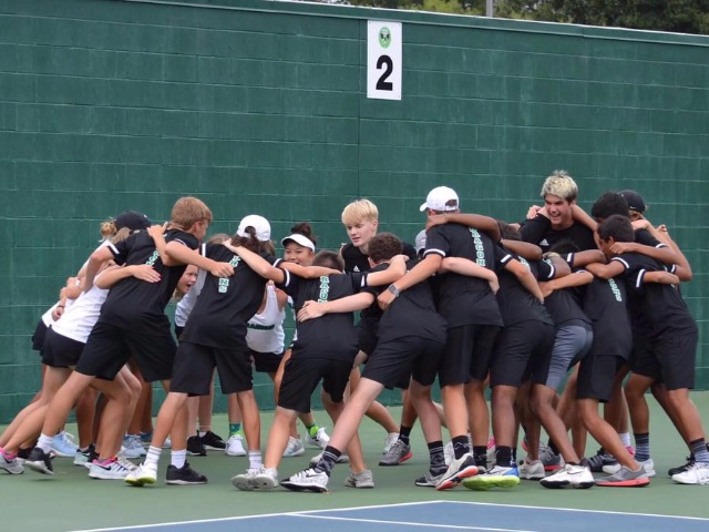 Dragon Tennis defeats Eaton with resounding victory