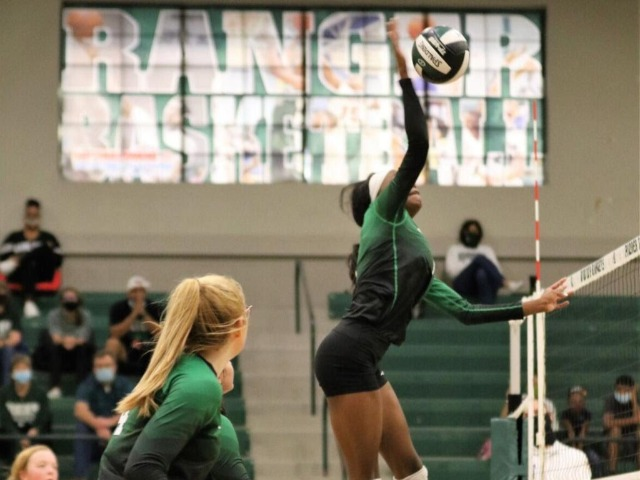 Rudder volleyball goes 1-1 in nondistrict play Saturday