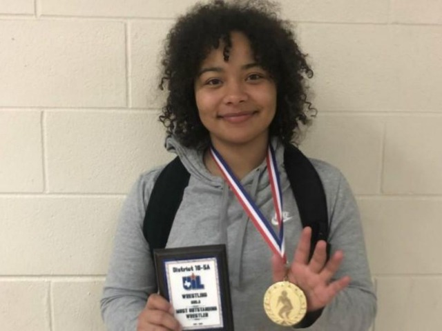 Rudder's Makia English named the Most Outstanding Female Wrestler of the District 10-5A tournament