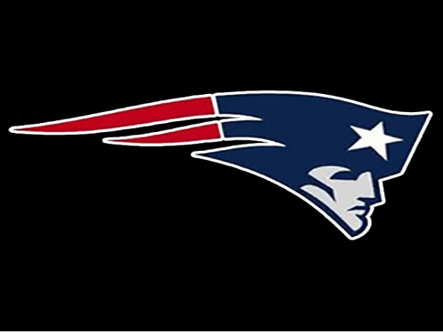 Davis, Titans shoot down Patriots