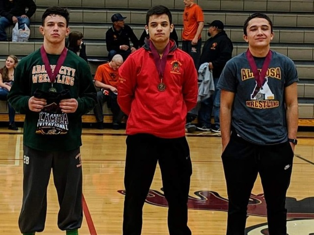 Varsity Wrestling travles to Alamosa