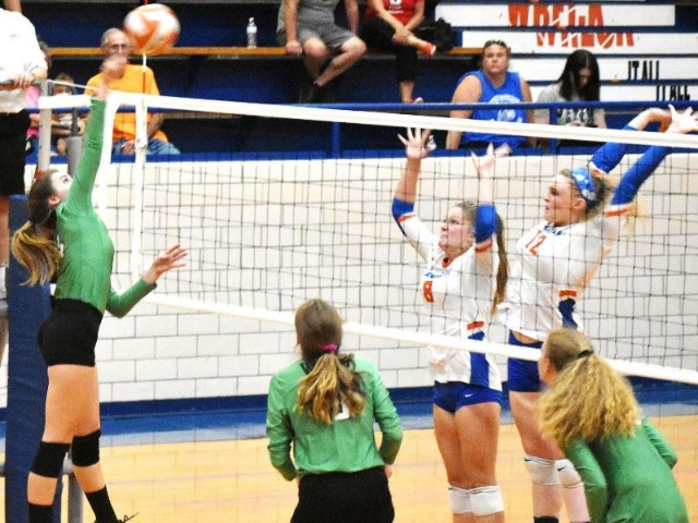 Western Hills' volleyball team caps busy 11 days with 3-0 win over Frankfort