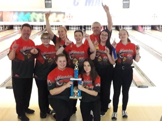 Cardinal's Girls Bowling  Undefeated; Wins WWAC League Title!