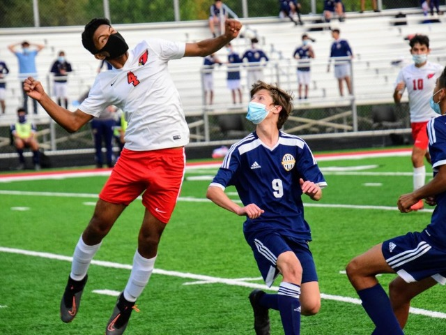'State finals, baby': Melvindale tops Fenton, 4-1, for first title berth