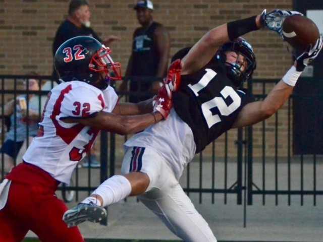 Bulldogs rally to tie talented Zebras, 24-24, in final scrimmage