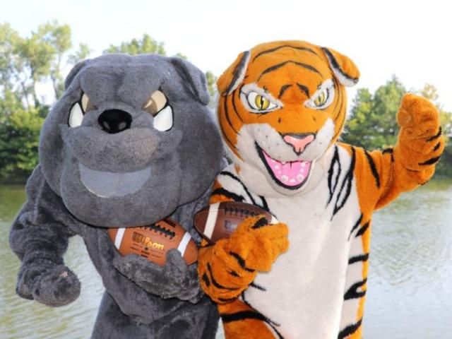 It's football time in Wagoner County, Coweta versus Wagoner