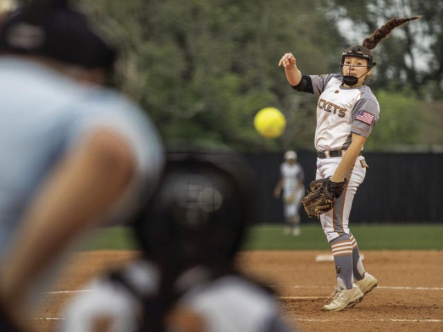 Lady Jackets deliver bi-district sweep on B'wood