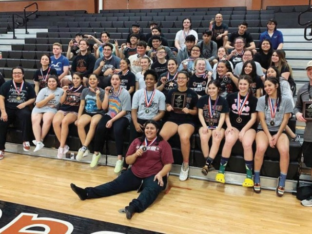 Lady Jacket lifers win host meet