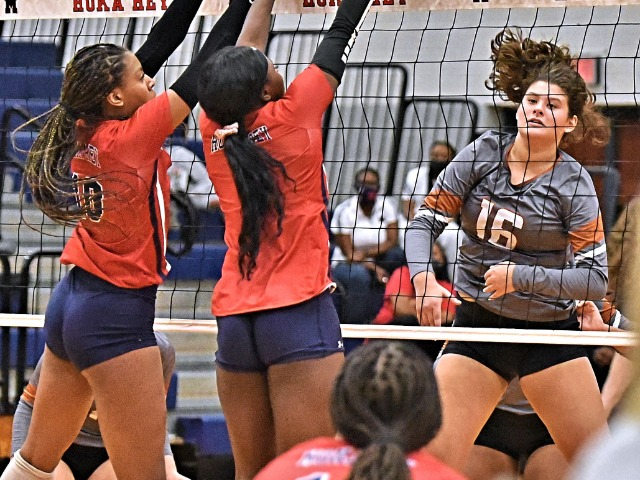 Image for Jackets Lose Tight Battle to Manvel