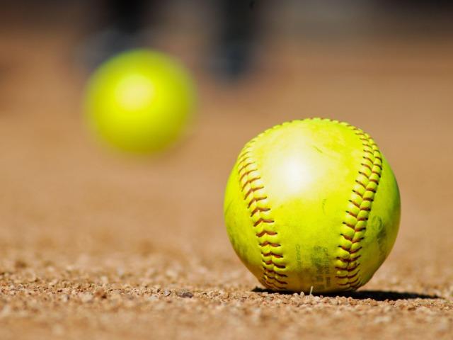 Softball JV Prowlers beat Wink