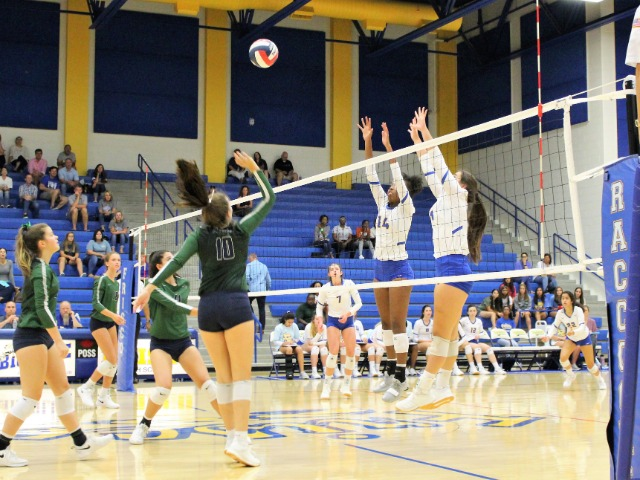 Frisco Volleyball Team in Thick of Playoff Race