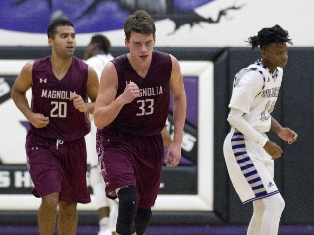 Moffatt reaches 2,000 career points in Magnolia win over Waller