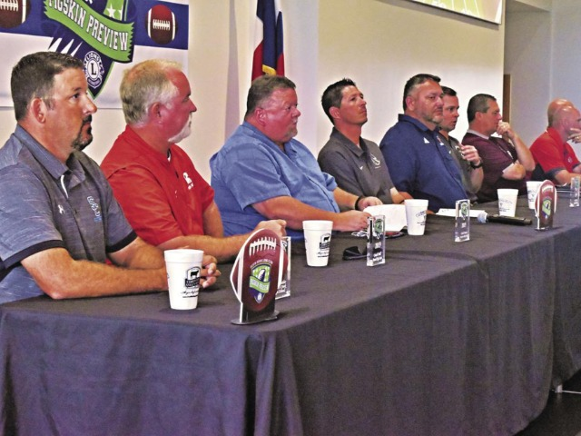 Pigskin Preview luncheon attracts packed house in Iowa Colony