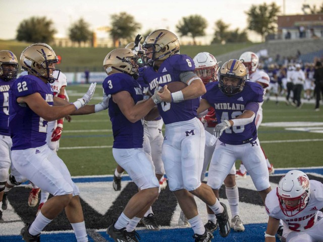 HS FOOTBALL: Bulldogs ride hot start to convincing win over OHS