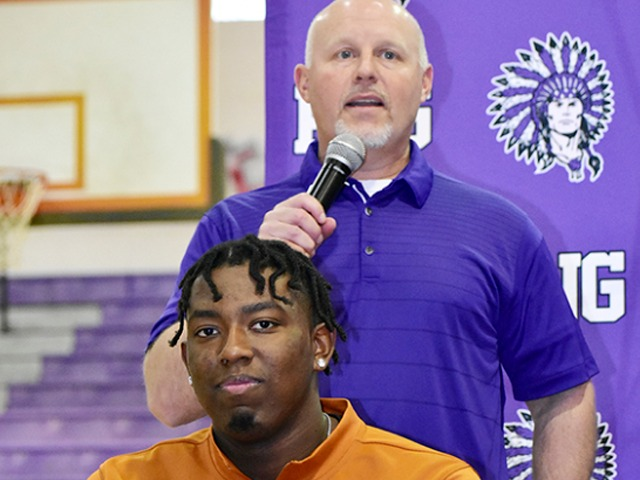 Texas-sized Signing Day: Garth to UT, Curtis to A&M highlight PNG's ceremony