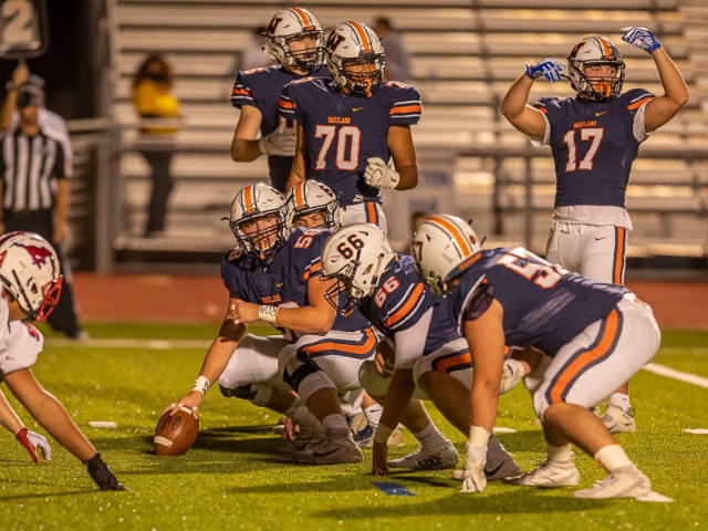 Wakeland Football Team Rolls to Third Straight Win