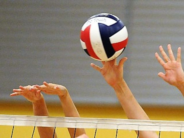 Wakeland Volleyball Team Advances to Area Round in Playoffs
