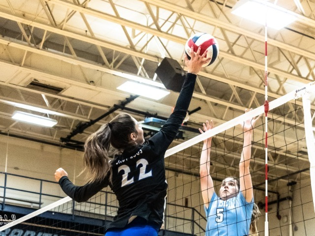 Lady Roos Top Bell 3-0, Set Up Showdown With Boswell