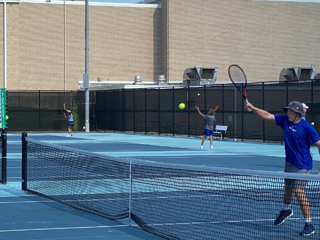 JV Tennis Tops Bell; 1-0 in District