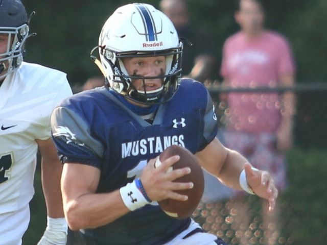 Football Drops Season Opener to Whitefield at Home, 43-40