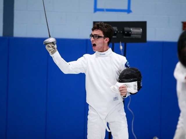 Seniors Lead Fencing Through Exciting Season