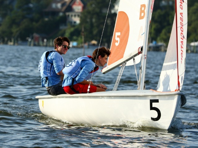 Sailing Qualifies for Mid-Atlantic District Championship