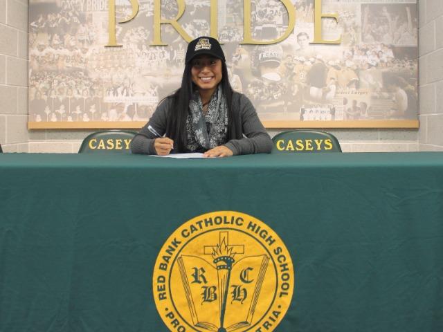 Allison Tomaino signing with Bryant University for softball