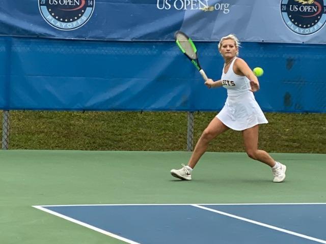 Sophomore Daria Smetannakov Seeded in Top 3 at State Tennis Tournament