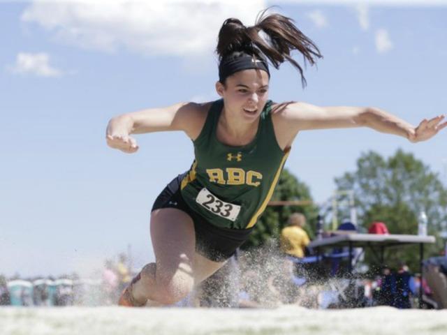 Senior Tara Zeni Wins Track & Field Performer of the Week