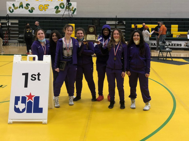 Independence Wrestlers Win Girls District Title