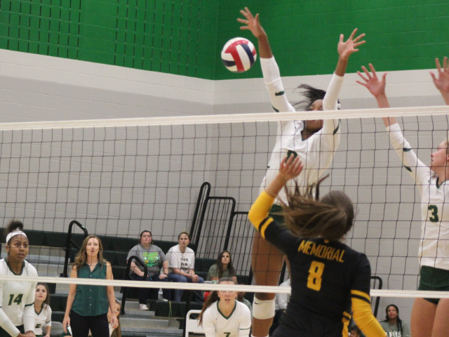 Lebanon Trail Volleyball Team Still Undefeated in District