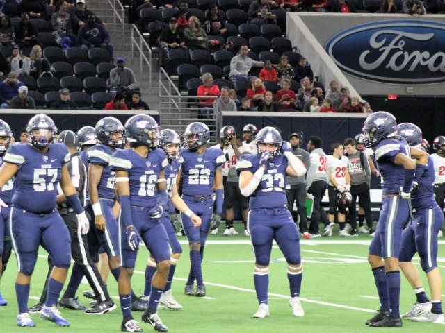 Image for Lone Star's Defense Dominates in 35-0 Playoff Win