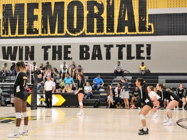 Memorial Volleyball Team Takes on Lebanon Trail