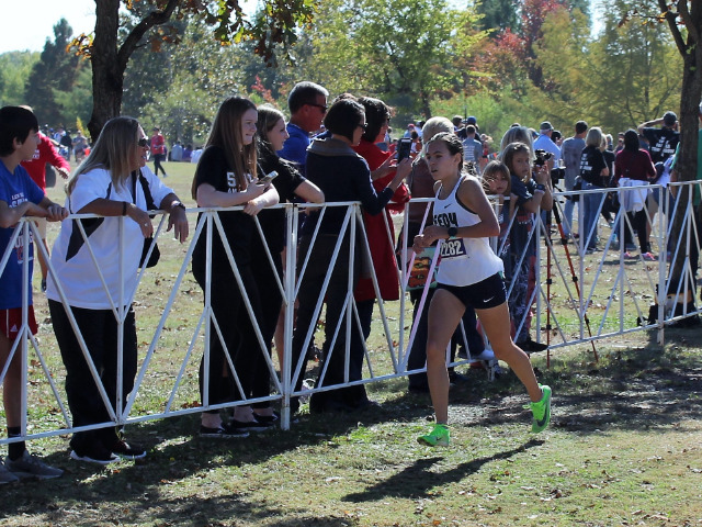 Colleen Stegmann Finishes Second at Elite Cross Country Meet