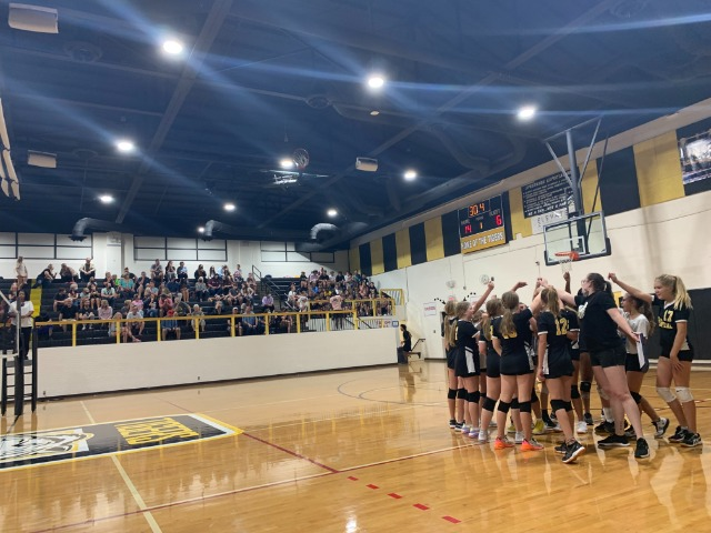 Volleyball is Undefeated heading to Conference