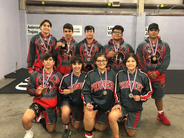 9 Wrestlers Qualify for State